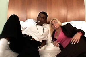 Amateur flaxen-haired mature milf gets pounded by black cock to Interracial Videotape