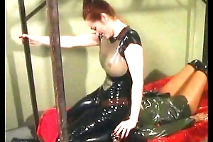 working latex lesbians face sitting