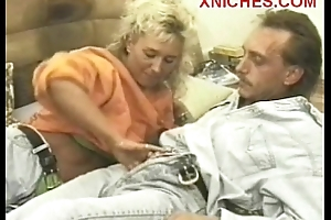 Housewife  sucks her husbands  dig up