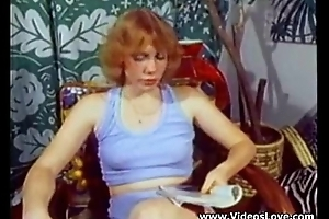 Classic vintage little sister - wants some enjoyment - XVIDEOSCOM
