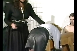 Sultry slave close by leather explicit got spanked essentially her with an eye to pain in the neck by popsy