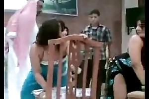 ra9s banat sakrana dance sexy arab