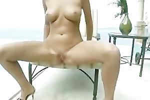 Beautiful Carli Banks pissing