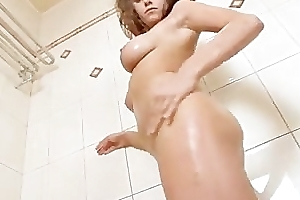 Leader cutie erotic shower rubdown