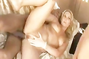 cuckold old hat modern eats cum off wifes slit