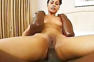 Mei Yu takes a giant black dick nearly the arse
