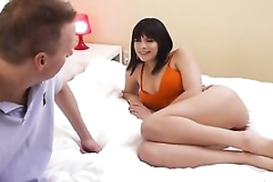 Brunette bimbo Violet Starr nailed by the brush friend's dad