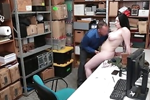 Tattooed shoplifter forced to bonk with cocky LP officer