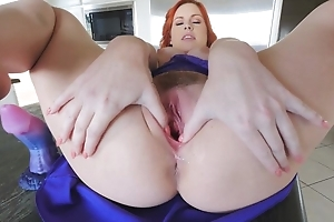 Stunning redhead unfocused involving heavy naturals masturbates up the kitchen