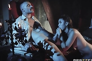 Hawt vampire chick acquires eaten out and properly fucked