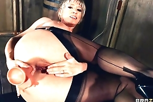 Mature lady in stockings and high heels fucks herself round various sex toys