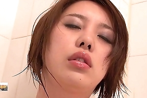 Korea belle Defilement in bathroom