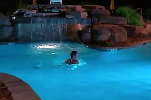 Zac Efron shirtless take pool