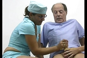 Doctor and the brush nurse cured and hardened an old man&rsquo_s spirited cock