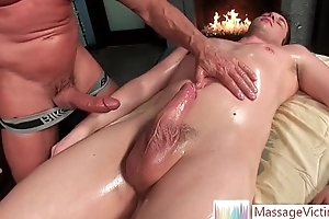 Guy gets his mouth well-proportioned by means of massage by massagevictim