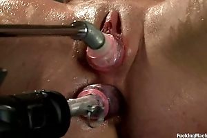 Amy Linger fucking machine
